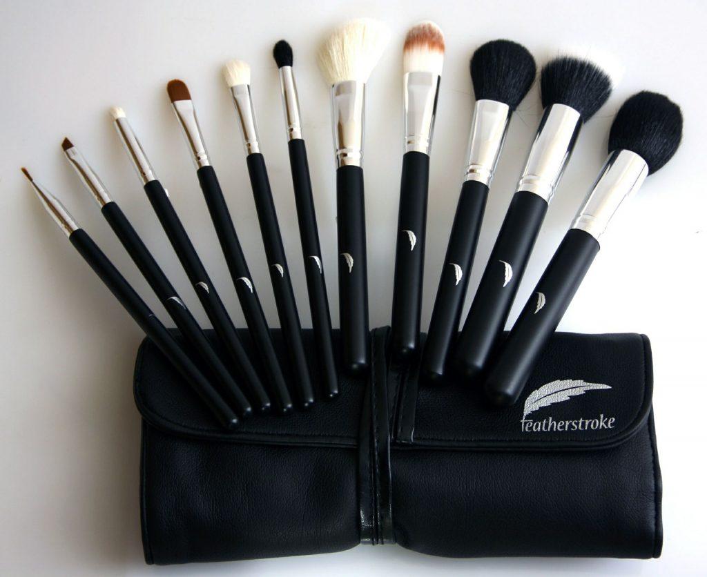 nettoyer ses pinceaux de maquillage